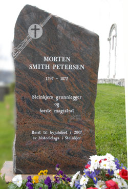 Minnestein Morten Smith Petersen